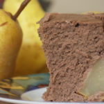 Dietetyczny sernik czekoladowy z gruszkami